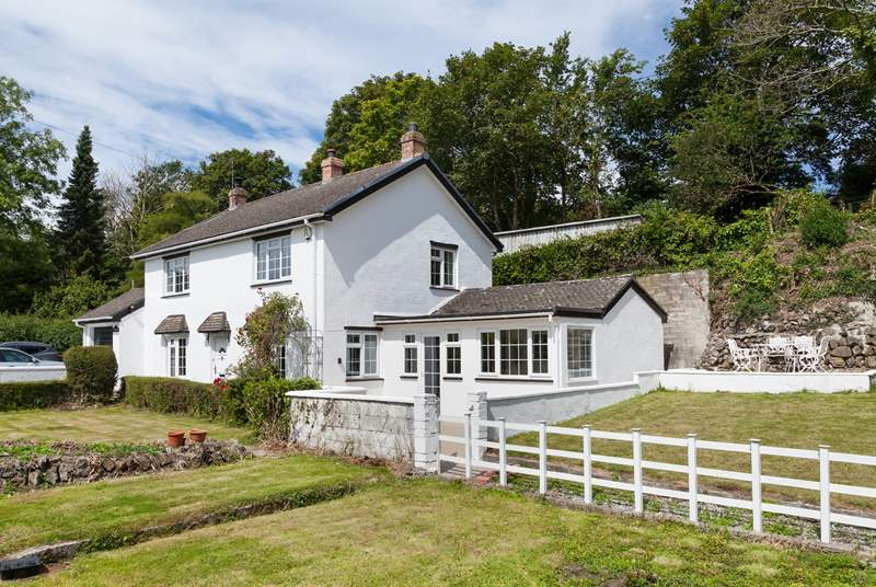 Welcome to Homeleigh - a picture perfect cottage near the village of St Agnes.