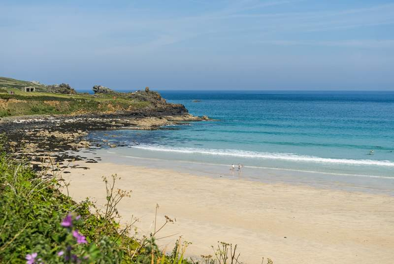 St Ives has many sandy beaches and coves and is well worth a visit. The little town is full of shops and the most delicious restaurants too.