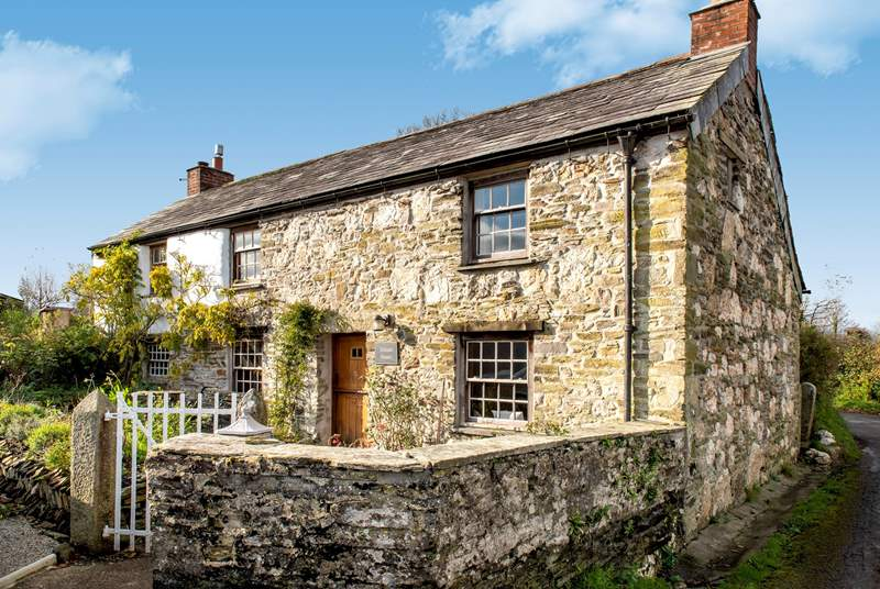 Welcome to Trelash House, a Grade II Listed 17th Century cottage.