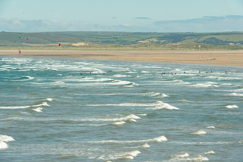 It is also an easy drive to the north Devon coast where you have a choice of several incredible sandy beaches for dog walking and surfing.