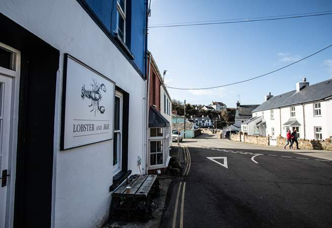 Do try the best crab sandwich here. They also make the best Welsh gin, too.