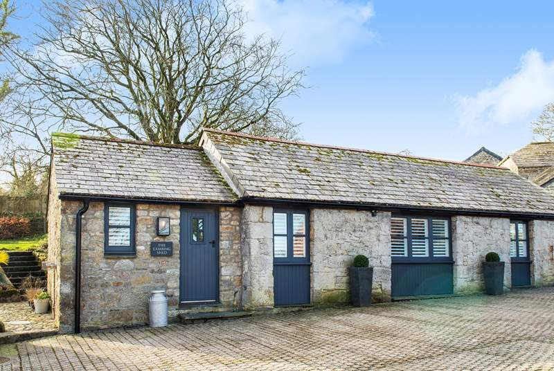 Welcome to The Lambing Shed, a gorgeous Barn conversion in the middle of the countryside with plenty of parking