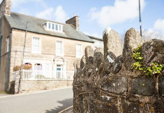 Menai House is in walking distance of shops cafe's and pubs.