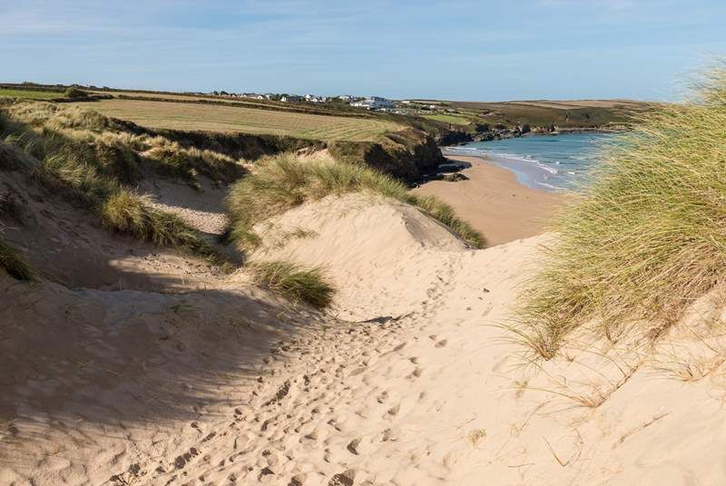 The sandy path leading down to the gorgeous sandy beach at Crantock.
