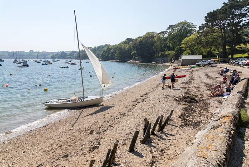 Loe Beach is a short drive away, there is a slipway, water sports hire and a lovely cafe.