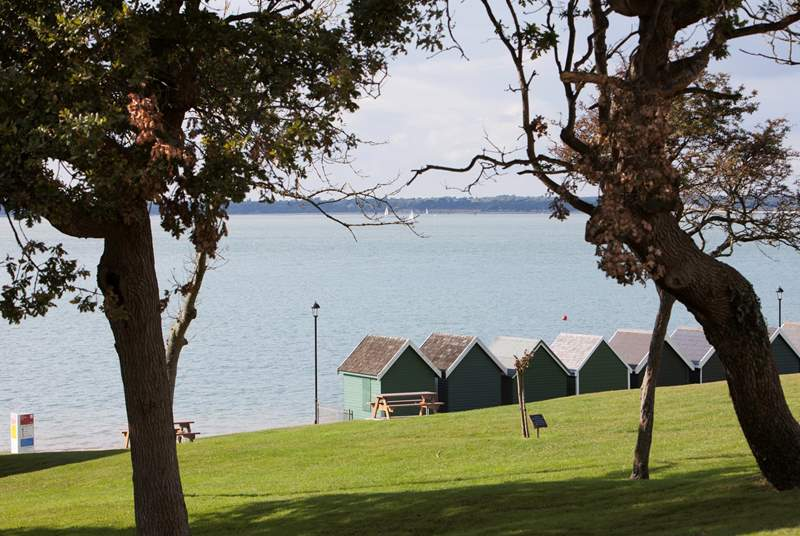 Spend the afternoon in Gurnard, north west coast of the Island, with cafe, pub and children's play area. Gurnard is also a lovely 15 minute walk into Cowes.