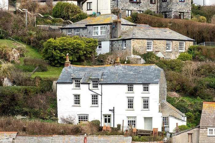 Cottages near Abercastle Beach and Harbour