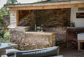 A weatherproof spot to take shelter in if needed. No barbecue can be spoilt ever again!