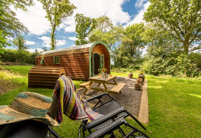 Sitting in its own private setting with a network of footpaths and 7 acres of woodland right on the doorstep.