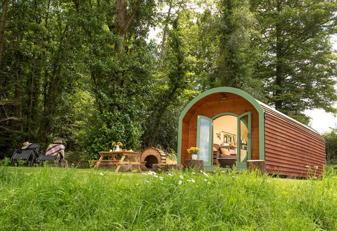 Gorgeous Pendragon Pod tucked away in the east Devon countryside.