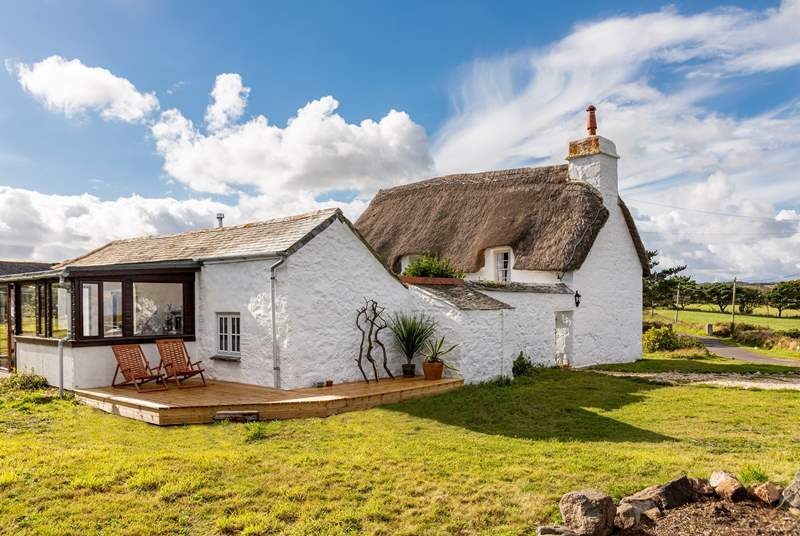 Welcome to Chynhalls Farm House perched on the headland in Coverack.