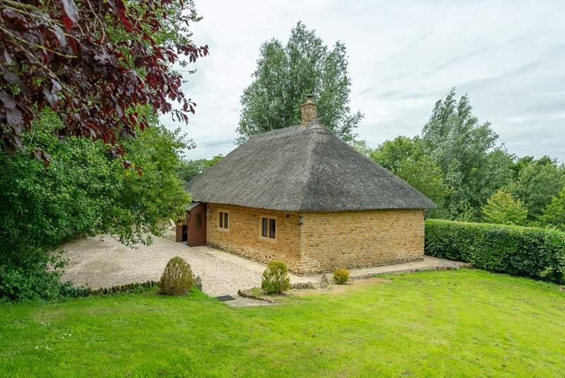 Tranquil and secluded, this cottage is the perfect place to get away from the hustle and bustle of daily life.