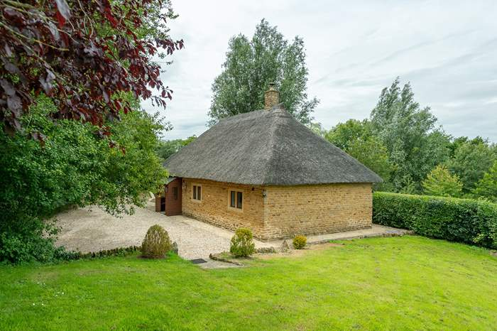 Cottages near Pilsdon Pen