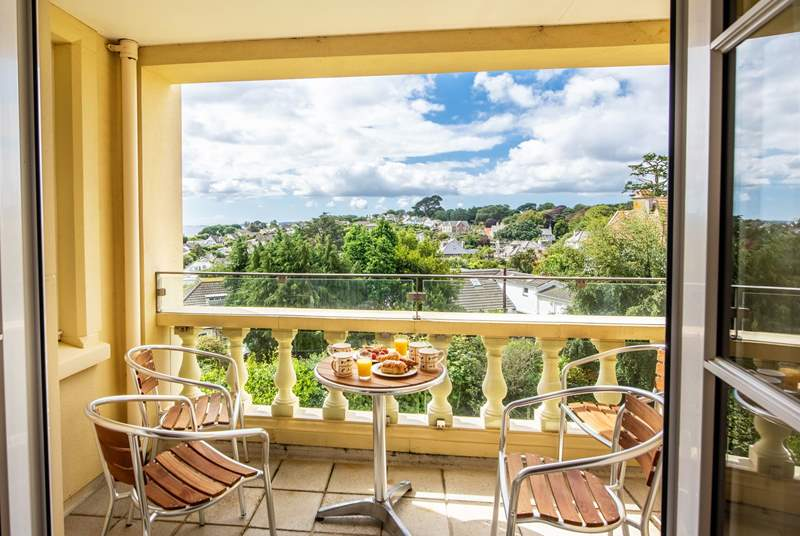 Open up the double doors to your balcony, enjoy the fabulous views over Falmouth and the bay.