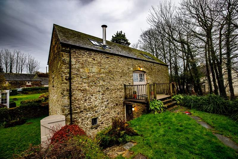 The Barn is a wonderful reverse level property and offers a warm and welcome stay.