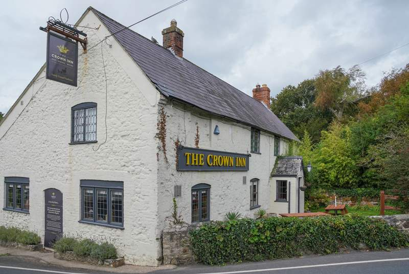 The Crown Inn is the local pub based in Shorwell.