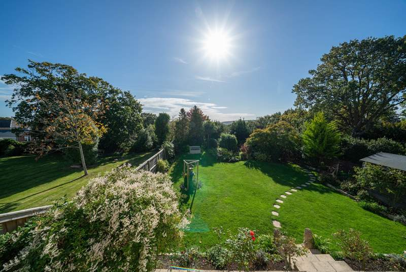Take advantage of the spacious, well-kept garden Culver View has on offer.