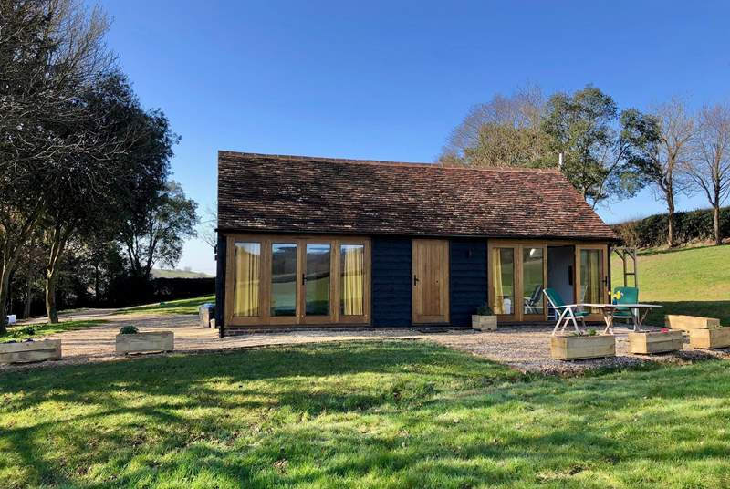 Hill Farm Cottage is a delightful Sussex barn conversion for two, in the heart of the East Sussex countryside.