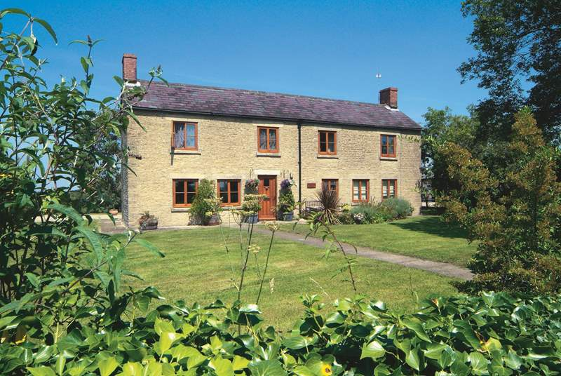 Set on its own with no close neighbours, Park Farm Cottage is a fantastic rural retreat the whole family will enjoy.