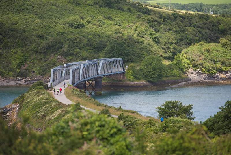 The Camel Trail is close by, a 17 mile trail that leads you to Padstow on the north coast.