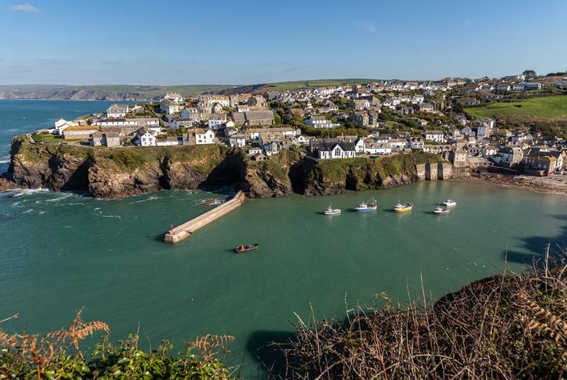 Port Isaac is a small fishing village on the Atlantic coast of north Cornwall and a great day out.