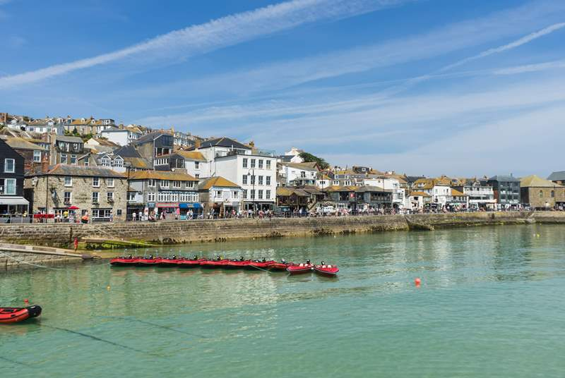 Beautiful St Ives, full of windy streets, yummy ice cream parlours and amazing galleries.