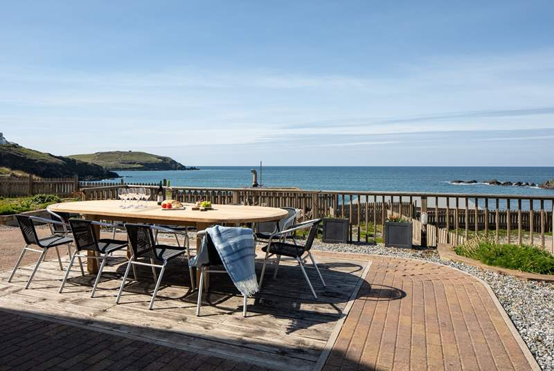 What a great spot for taking in the fresh sea air and fabulous coastal views.