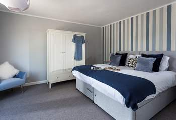 This stylish bedroom can be made up as a super-king double or two single beds, the choice is yours.