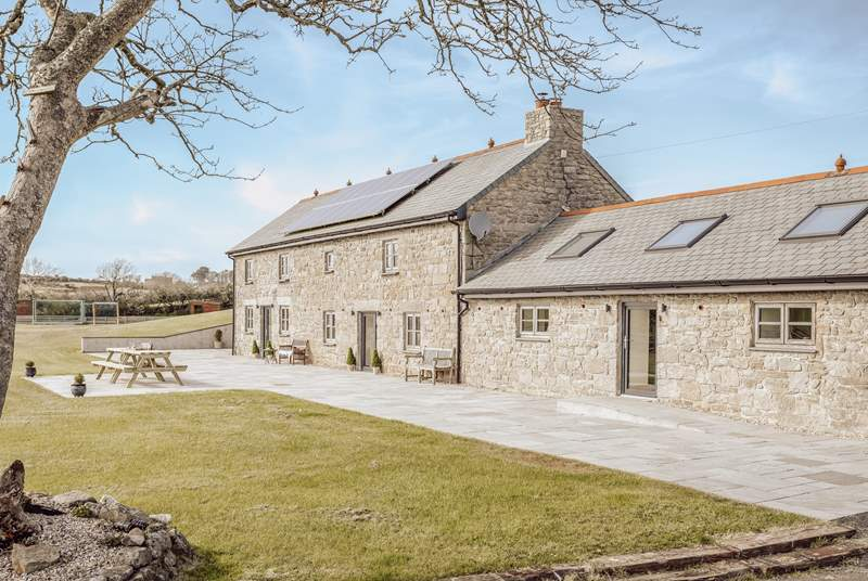 Enjoying a private slice of Cornish paradise, Trevorian Barn takes pride of place amongst beautiful countryside