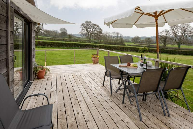 What a fabulous area to enjoy a touch of dining al fresco.