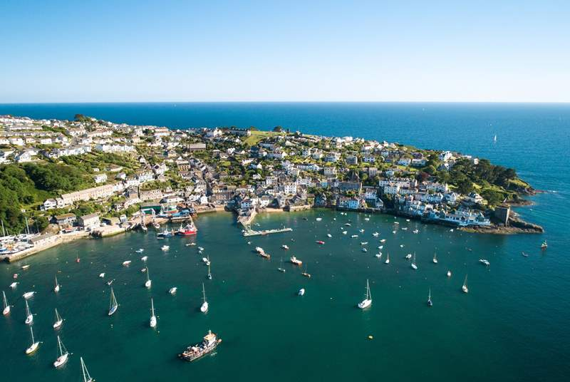 Enjoy a day at the trendy sailing town of Fowey with its waterside bars and cafes, shops and galleries.