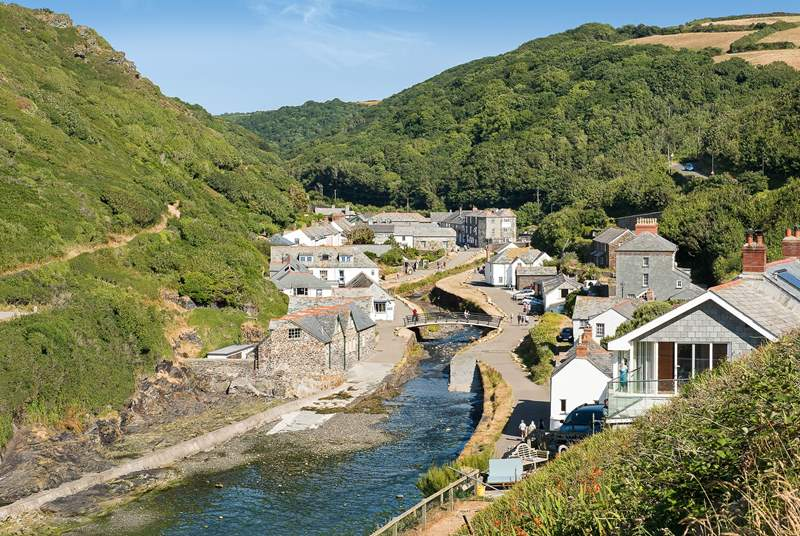 Spend some time in Boscastle with its sweet little harbour, shops and galleries and some great walks.