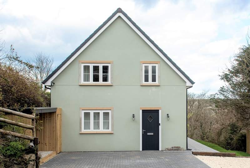 This lovely newly built house is waiting to welcome you.