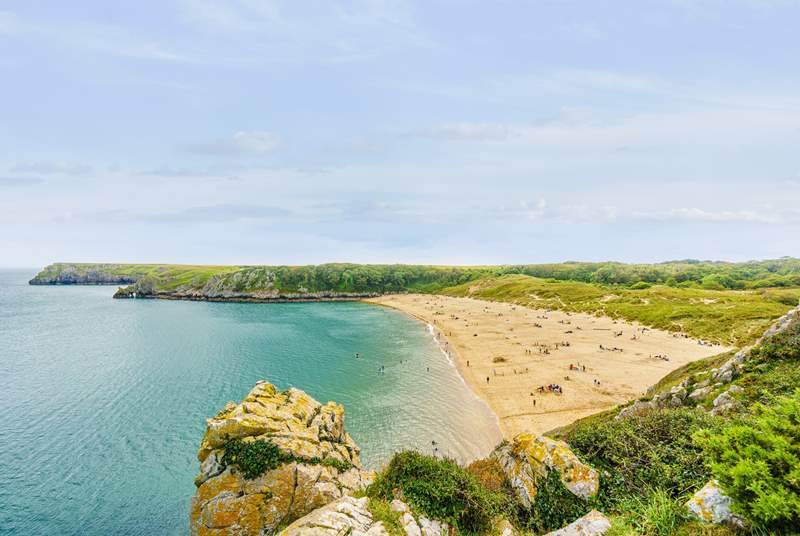 Golden sand and crystal clear waters at Barafundle Bay.