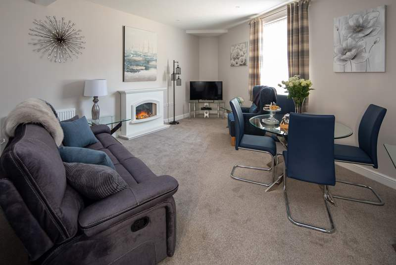 What a cosy living area to cuddle up in after a day of adventure.