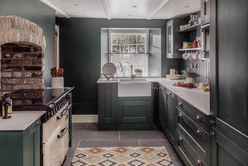 The kitchen is absolutely gorgeous and is fully fitted and expertly kitted out with all you could need for your holiday menu.