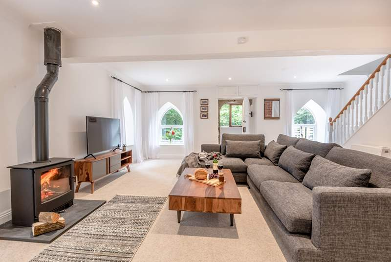 Welcome Western Torrs Cottage! Super stylish and oozing comfort, you are assured a relaxing holiday here.
