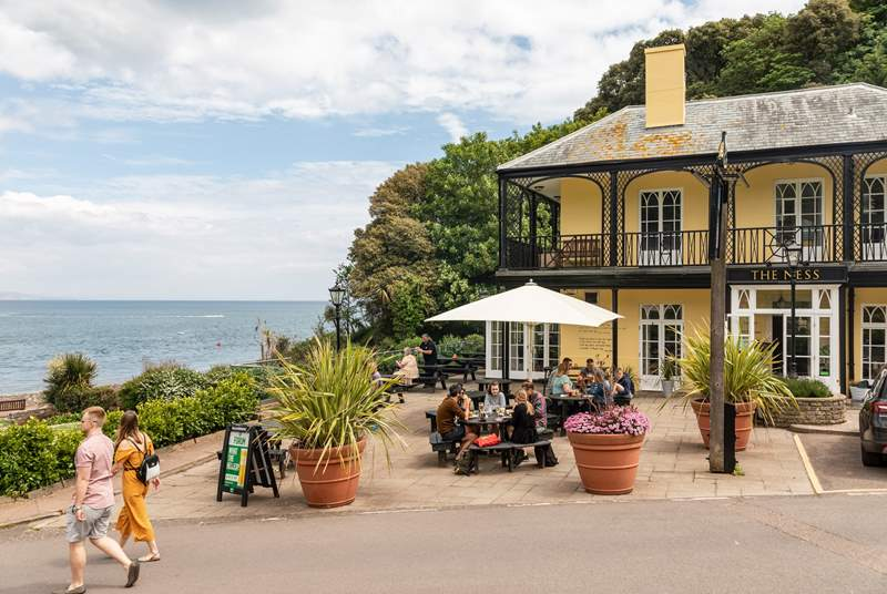 There's plenty of things to see and do in Shaldon. The Ness is one of your fabulous locals. Great for food and drink with a fabulous Devon welcome on standby.