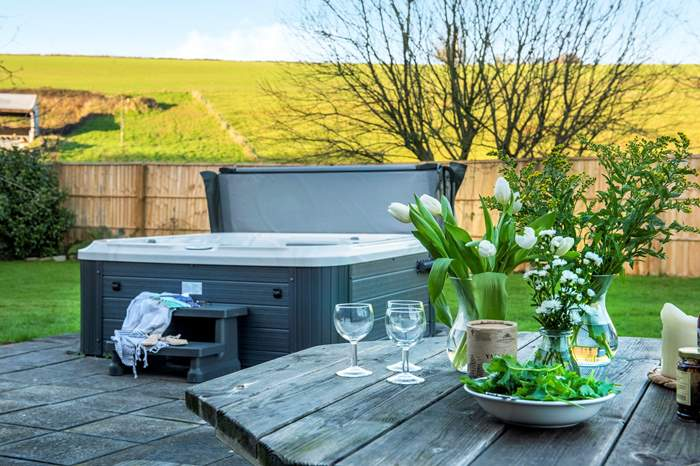 Cottages near Lower Tokenbury Equestrian Centre