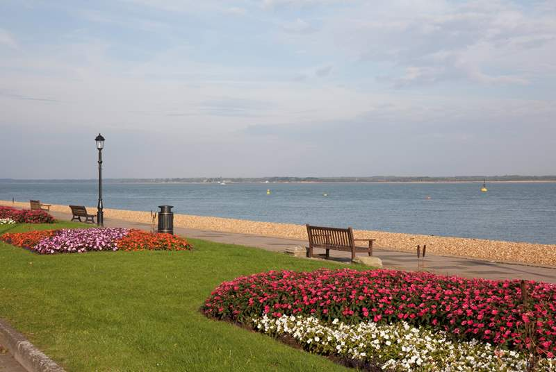 Walk along the sea front into the sailing town of Cowes.