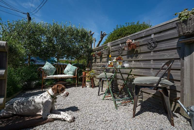 A perfect sun-trap on those summer days. Enjoy the well presented outside area to the front of the cottage.