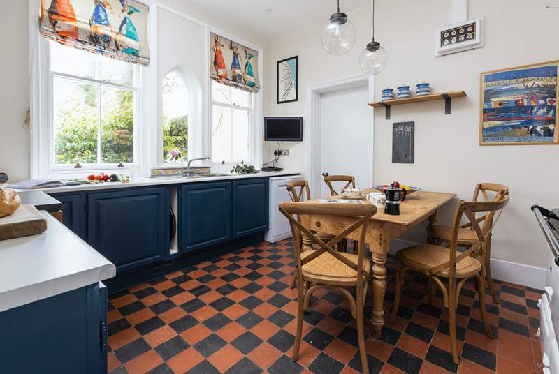 This charming kitchen/diner has been decorated perfectly to complement all of the cottages original features.