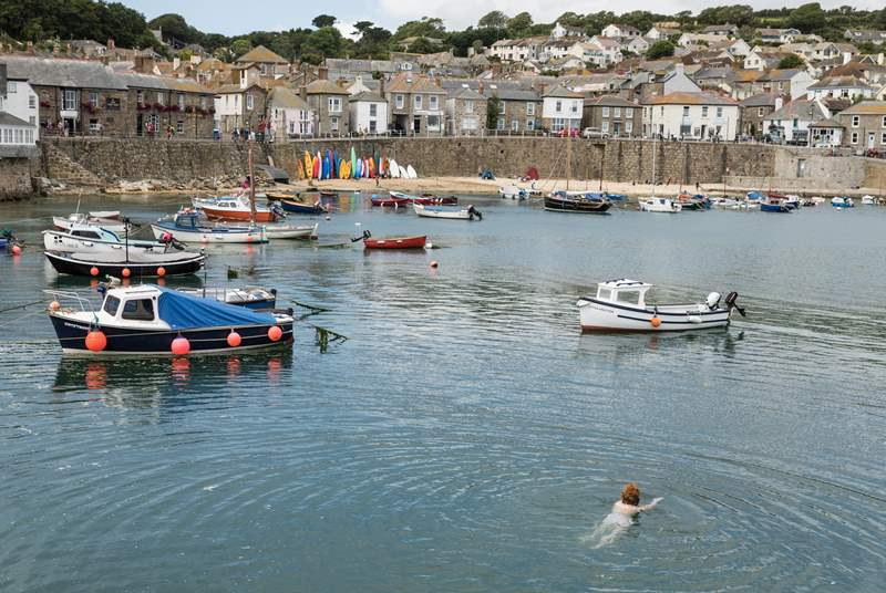 The Ship Inn (overlooks the harbour) is a traditional Cornish village pub. Enjoy a beer whilst looking out over the harbour.