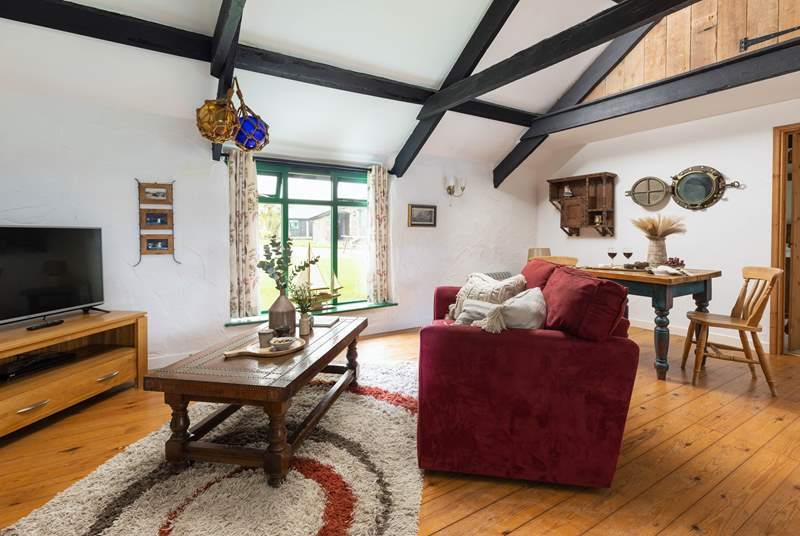 With lovely character features and exposed beams, Bligh Cottage is the perfect holiday bolthole for two.