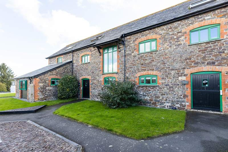 Welcome to delightful Duchy Cottage, the second door from the right.