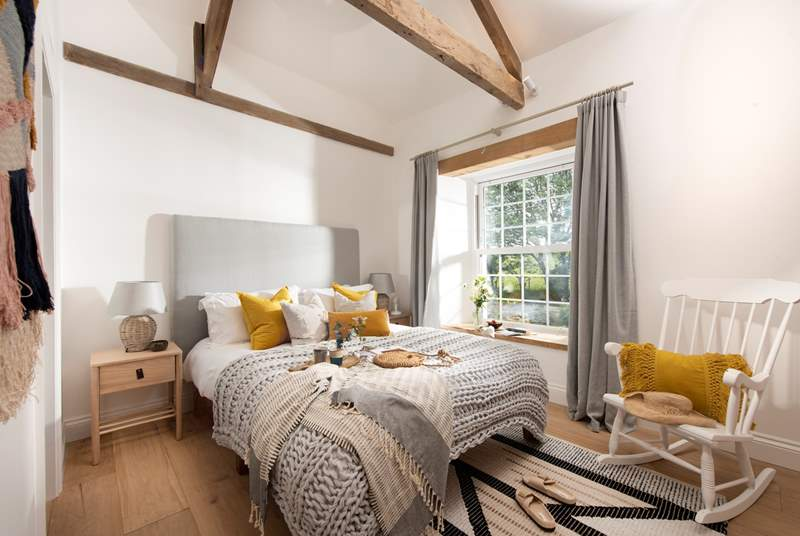Moss Farmhouse has five gorgeous bedrooms, each with their own en suite and TV.