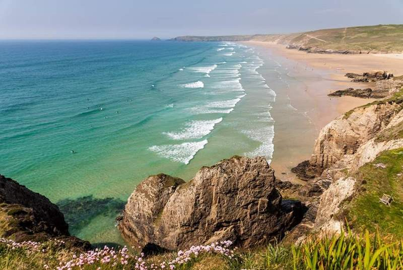 Golden sand, fun waves and aqua blue waters. Perranporth beach is a show stopper!
