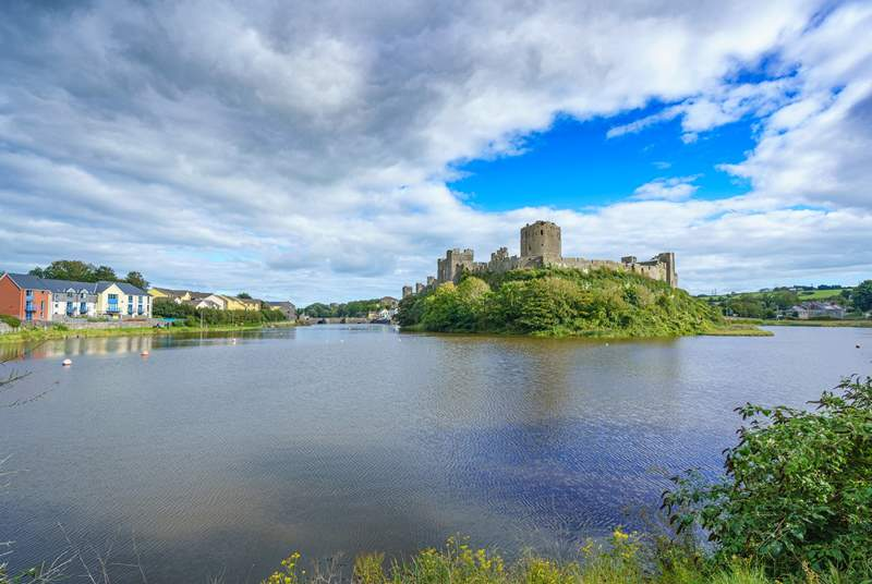 Head to Pembroke to discover its castle and the town surrounding it.