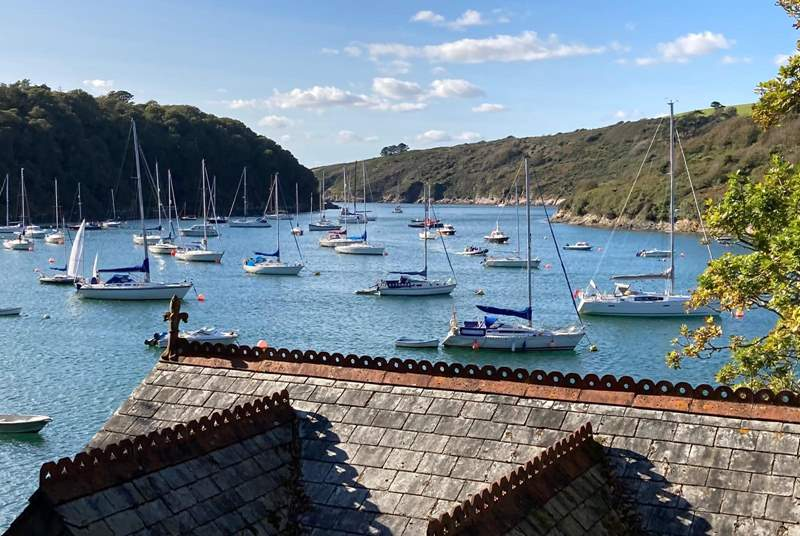For a wonderful circular coastal walk head to Noss Mayo, on your return there are several pubs to enjoy.