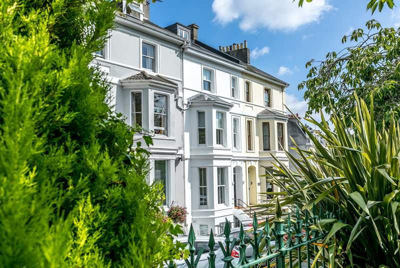 Welcome to the stunning Victorian town house, Hoe Park House.